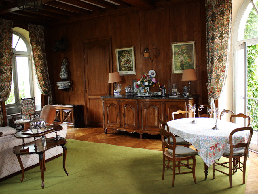 Chateau-Le-Plessis-36330-Velles-interieur-salle-a-manger